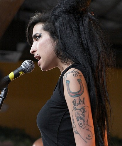 Winehouse Arrested Over Drugs Video
