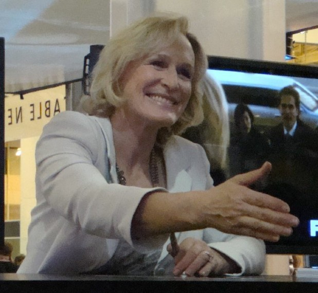 Glenn Close Gets a Full DNA Sequencing